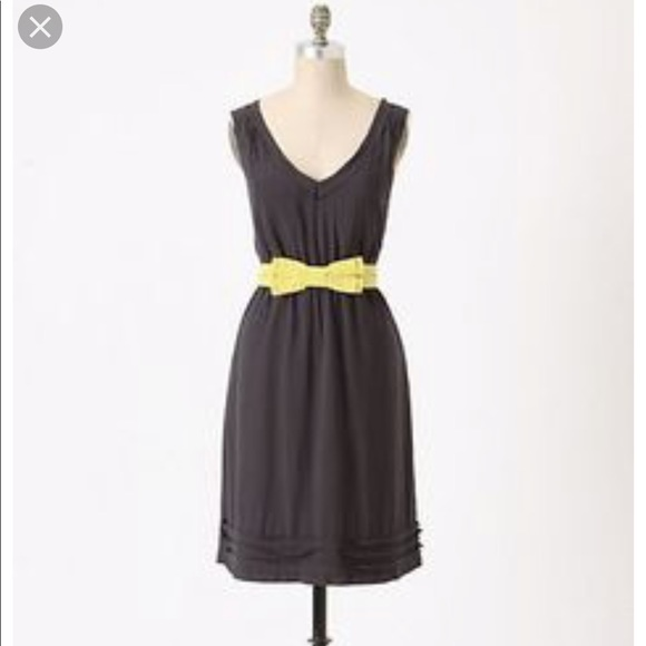 Anthropologie Dresses & Skirts - Anthropologie Maeve navy dress with green bow